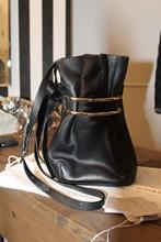 Jimmy Choo Eve Bucket Crossbody Black Gold Hardware reslu-459
