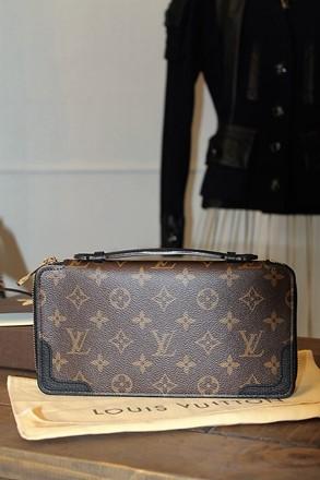 Louis Vuitton Brown & Black Mono Ladies Organizer NEW reslu-495
