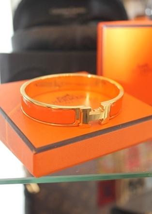 Hermes Signature Enamel Bracelet Orange Hermes_sebo