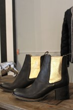 No Brand Chelsea Boot With Gold Elastic reslu-528