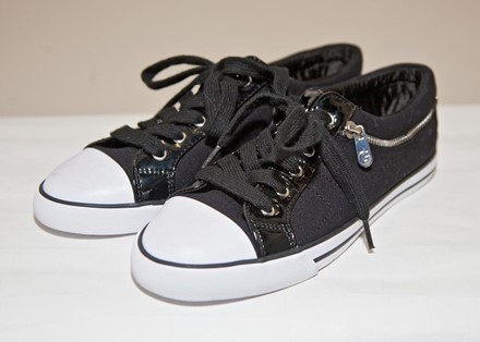 Guess Converse style low tops in black canvas reslu-438