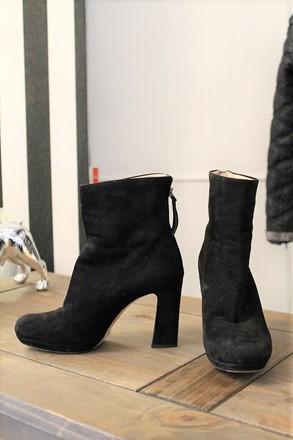 Miu Miu Black Suede Boots reslu-517
