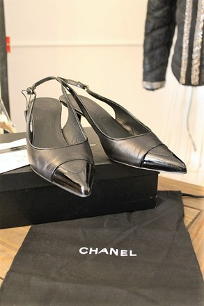 Chanel Low Heeled Slingback Shoes relu-30