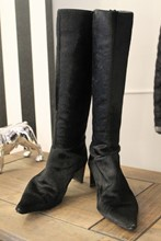 DKNY Vintage Black Furry Boots relu-278