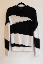 Joseph Black and White Jumper reslu-466